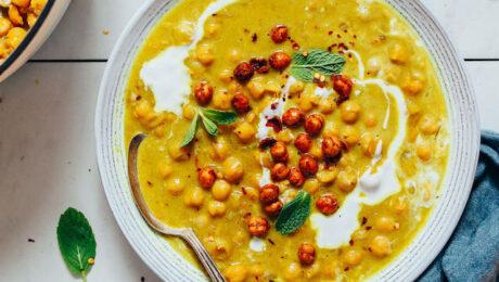 """Csicseriborsó leves """"olaszosan"""": könnyű és finom előétel"""