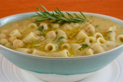 Csicseriborsó tésztával: egyszerű olasz egytálétel