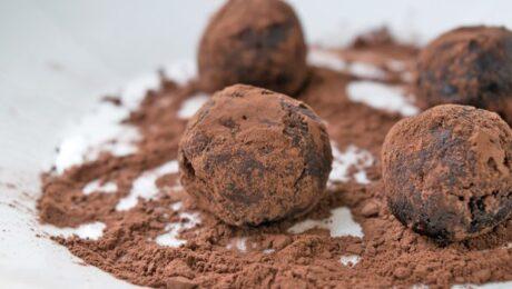 Egyszerű Trüffel Étcsokoládéval, Szilvalekvárral