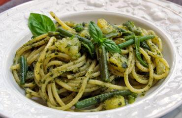 Eredeti olasz ízek: Linguine tészta krumplival, pesztóval és zöldbabbal